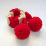 犬用手編みマフラー(レッドボンボン)-Sサイズ 【Scubed】