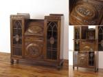 サイドバイサイドビューロー 素晴らしい彫刻も魅力 希少なお品です イギリスアンティーク家具