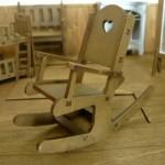 1/10スケール ミニチュア家具 ハートロッキングチェア アームタイプ